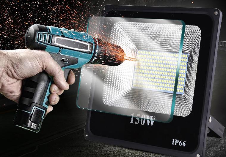 LED防爆路灯加厚钢化玻璃面罩效果图.png